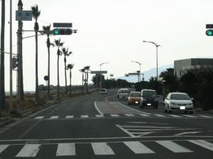 20) 鵜崎交差点を直進